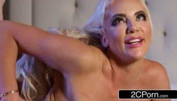 Pareja adolescente folla por primera vez en la webcam