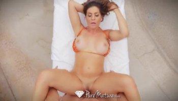Massage Rooms Horny tight pussy blonde gives orgasmic foot job