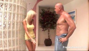 heiß asiatisch Frau gibt Prostata Massage und HJ
