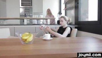Gros seins française blonde hard double vaginale pénétré