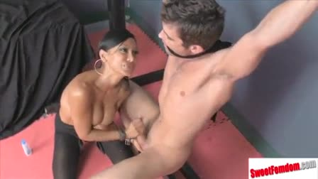 Hoe brunette with huge boobs Toka gives titjob and blowjob