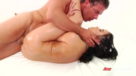 Jessi June puts her in a swimsuit and masturbates on the camera
